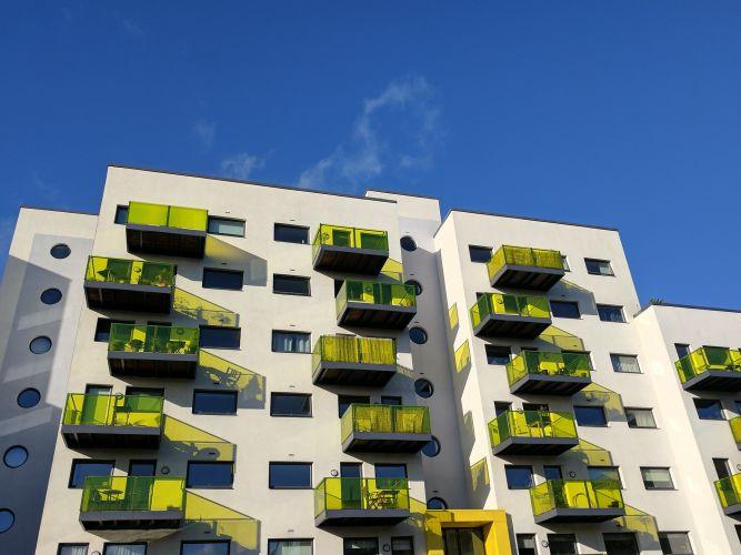 building-1841299_1920